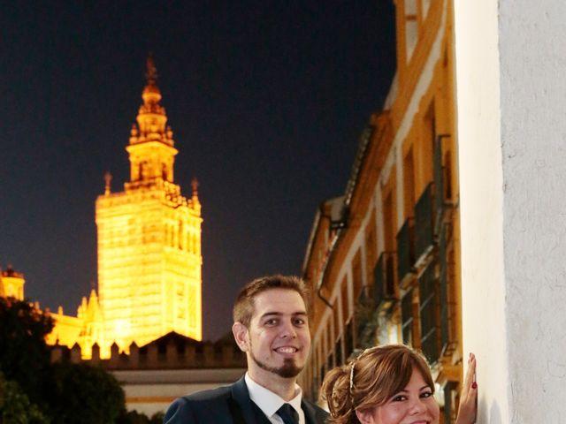 La boda de Javier y Beatriz en Sevilla, Sevilla 22