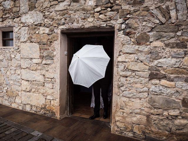 La boda de Dani y Estel en Sant Pau De Seguries, Girona 33