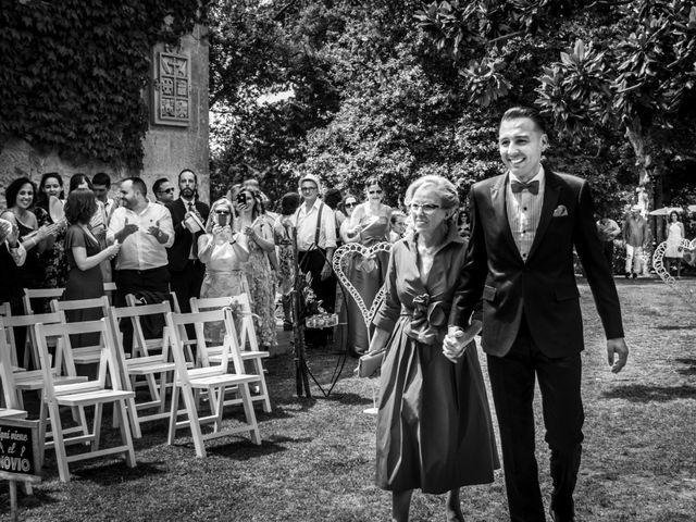 La boda de Hugo y Ángeles en Forcadela, Pontevedra 17