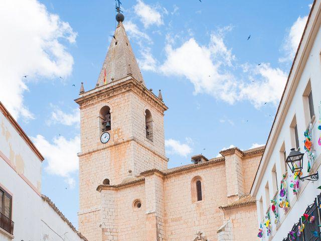 La boda de Ramón y Reme en La Roda, Albacete 11