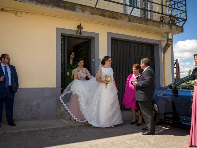 La boda de Hector y Laura en Santiago De La Puebla, Salamanca 20