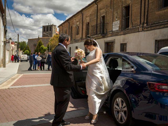 La boda de Hector y Laura en Santiago De La Puebla, Salamanca 22