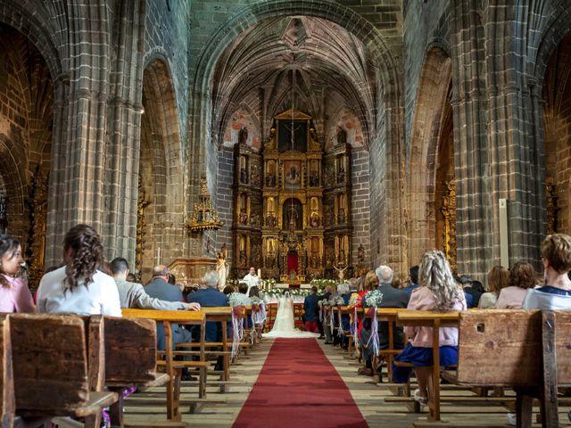 La boda de Hector y Laura en Santiago De La Puebla, Salamanca 24