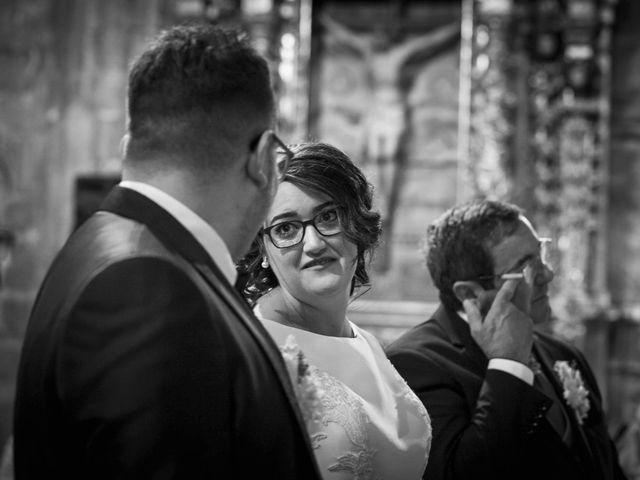 La boda de Hector y Laura en Santiago De La Puebla, Salamanca 27