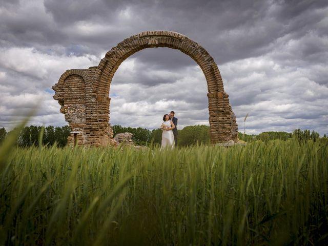 La boda de Hector y Laura en Santiago De La Puebla, Salamanca 30