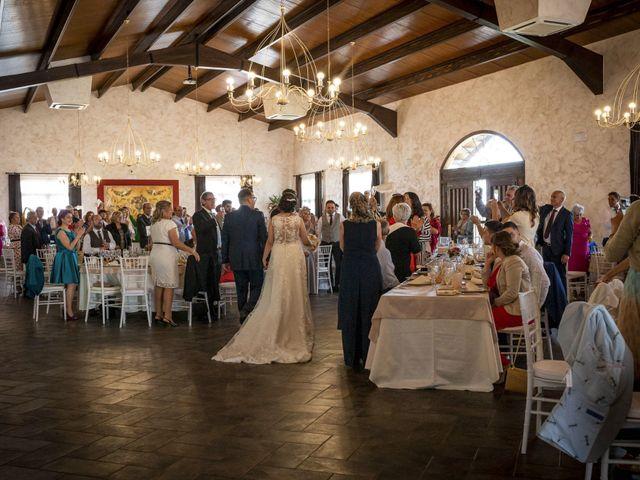 La boda de Hector y Laura en Santiago De La Puebla, Salamanca 37
