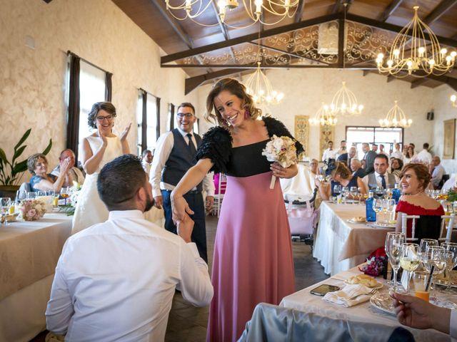 La boda de Hector y Laura en Santiago De La Puebla, Salamanca 40