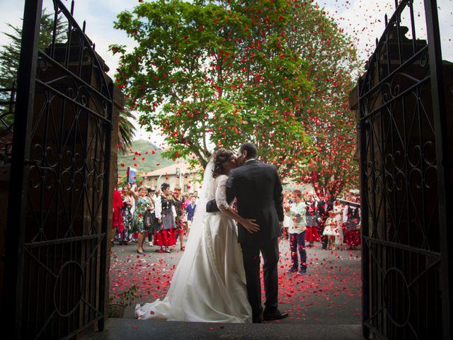 La boda de Xabi y Amaia en Larrabetzu, Vizcaya 32