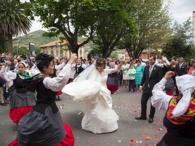 La boda de Xabi y Amaia en Muskiz, Vizcaya 34