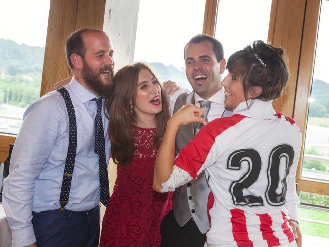 La boda de Xabi y Amaia en Muskiz, Vizcaya 43
