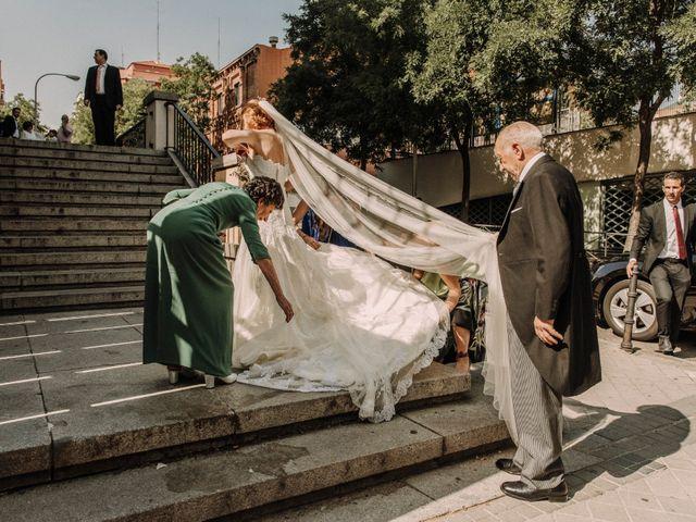 La boda de Raúl y Natalia en Madrid, Madrid 5