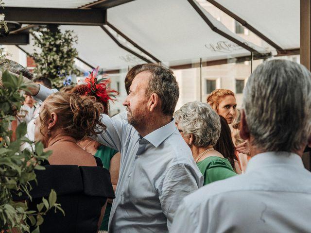 La boda de Raúl y Natalia en Madrid, Madrid 15