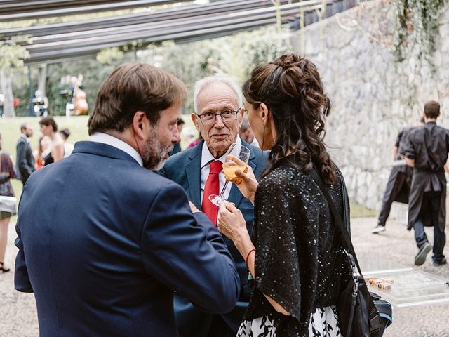 La boda de Xavi y Anne en Olot, Girona 38