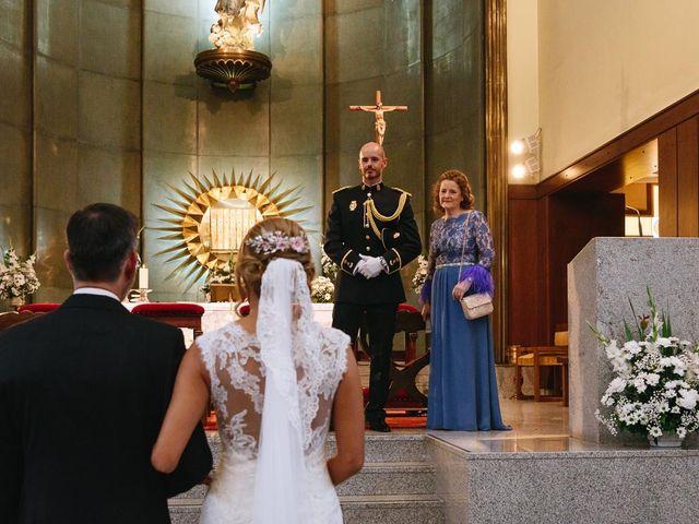 La boda de Angel y Leire en Torrelodones, Madrid 15