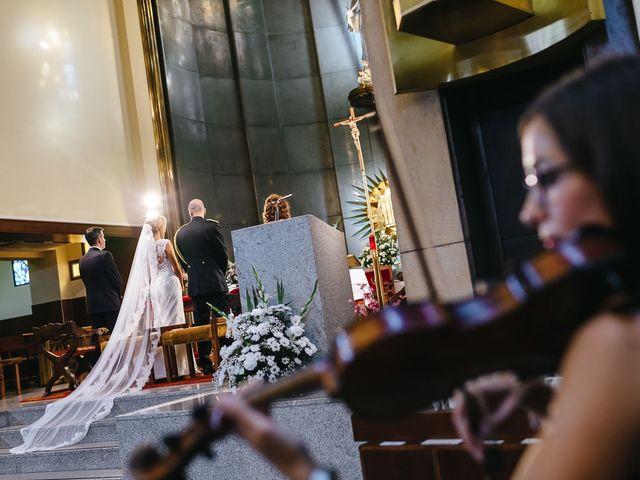 La boda de Angel y Leire en Torrelodones, Madrid 16