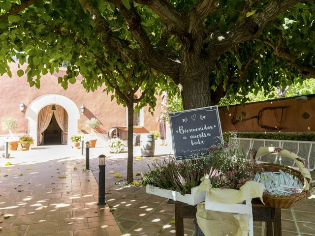 La boda de Joel y Maria Jose en Sant Cugat Sesgarrigues, Barcelona 24