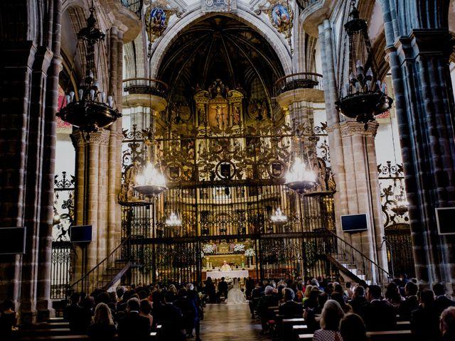 La boda de Rafael y Raquel en Guadalupe, Cáceres 25