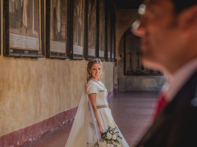 La boda de Rafael y Raquel en Guadalupe, Cáceres 33