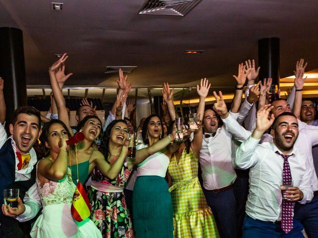 La boda de Mario y Jessica en Vimianzo, A Coruña 79