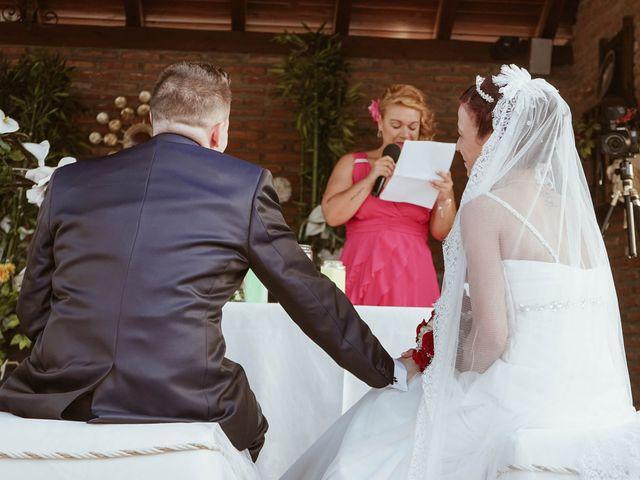 La boda de Jonathan y Rocío en Navalcarnero, Madrid 23