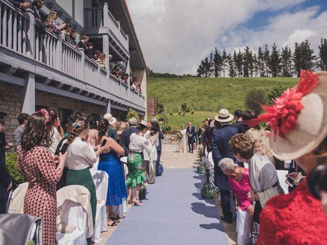 La boda de Ignacio y Esther en Pueblo Zizurkil, Guipúzcoa 27