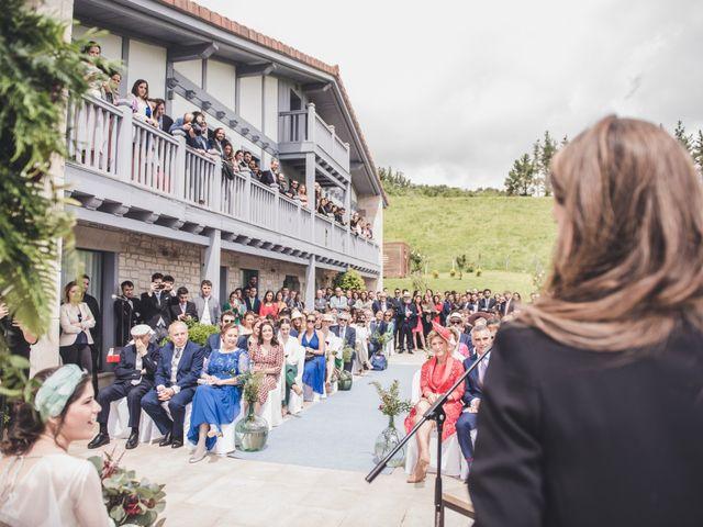 La boda de Ignacio y Esther en Pueblo Zizurkil, Guipúzcoa 33