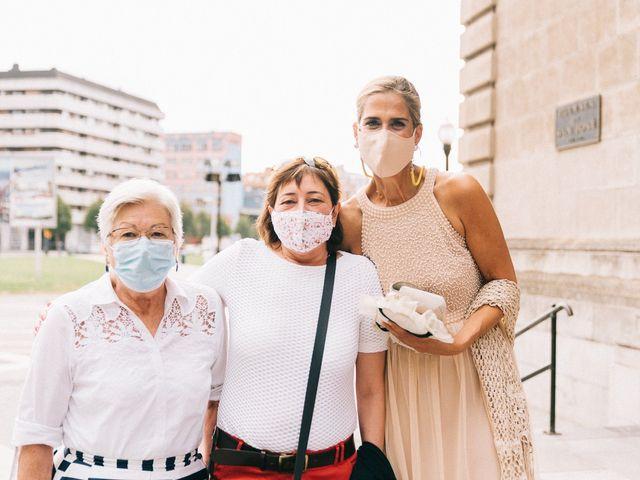 La boda de Roberto y Cris en Gijón, Asturias 23