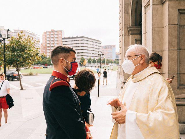 La boda de Roberto y Cris en Gijón, Asturias 25