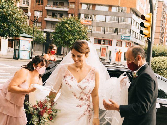 La boda de Roberto y Cris en Gijón, Asturias 35