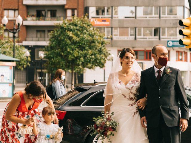 La boda de Roberto y Cris en Gijón, Asturias 36