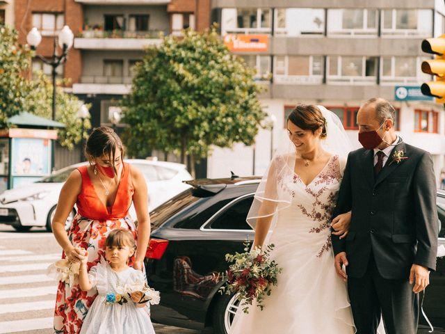 La boda de Roberto y Cris en Gijón, Asturias 37