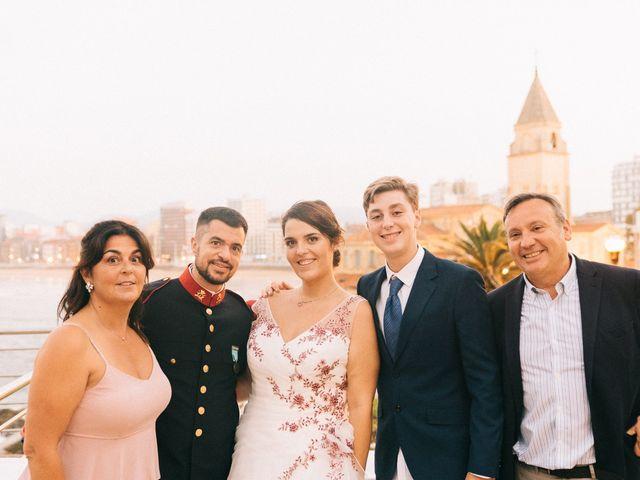 La boda de Roberto y Cris en Gijón, Asturias 187