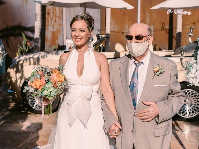 La boda de Laura y Daniel en Roquetas De Mar, Almería 16