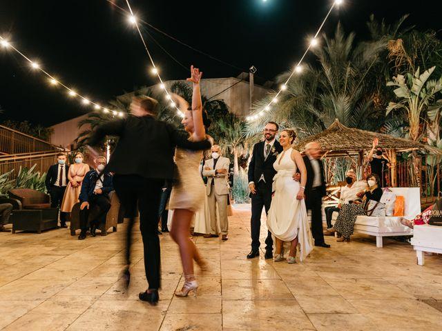 La boda de Laura y Daniel en Roquetas De Mar, Almería 31