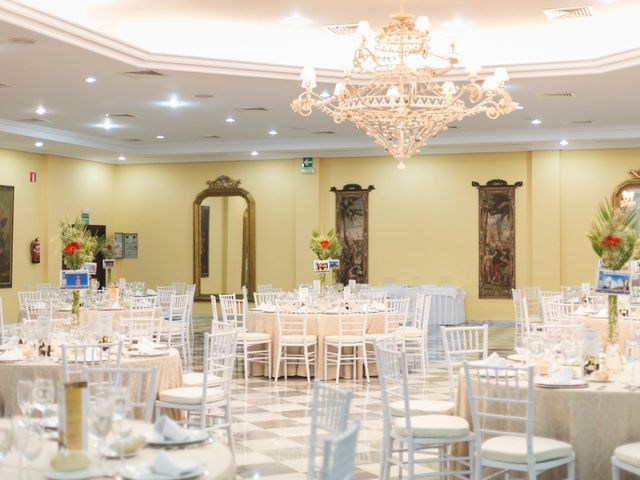 La boda de Paco y Conchi en Santiponce, Sevilla 43
