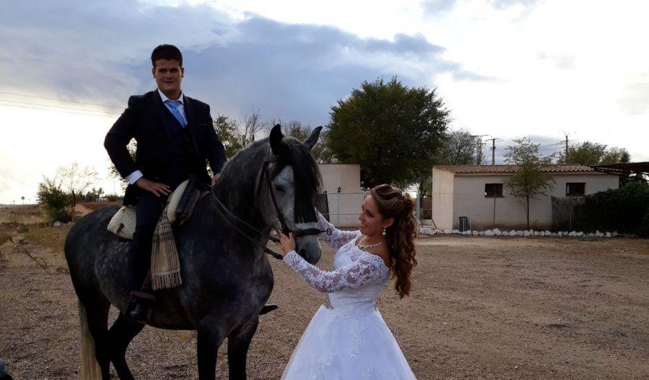 La boda de Nacho y Belen en Argamasilla De Alba, Ciudad Real