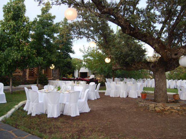 La boda de Carlos  y Andrea  en Serradilla, Cáceres 22