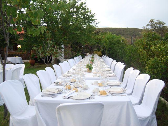 La boda de Carlos  y Andrea  en Serradilla, Cáceres 23
