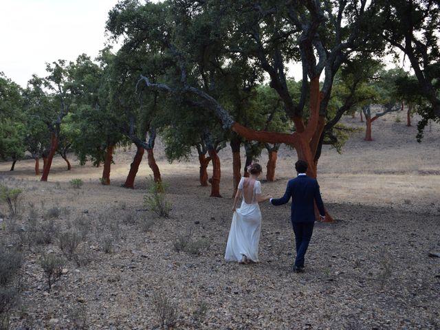 La boda de Carlos  y Andrea  en Serradilla, Cáceres 38