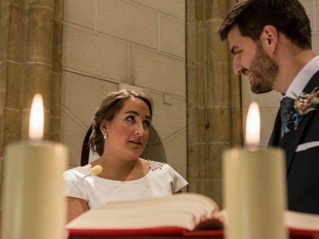 La boda de Víctor y Sandra en Getxo, Vizcaya 16