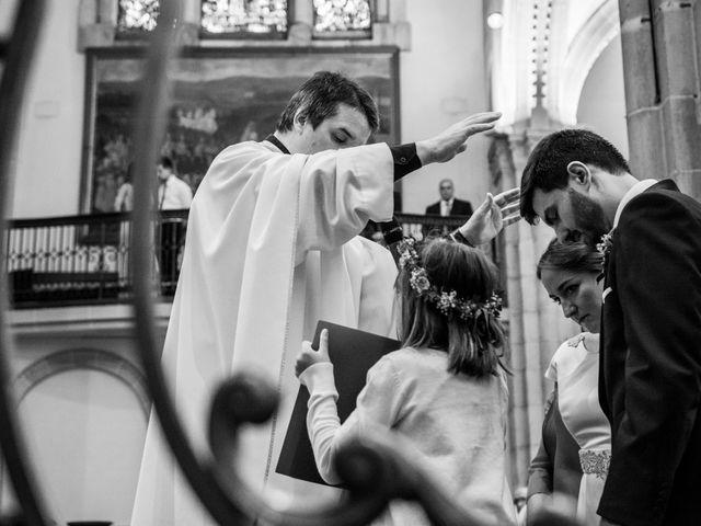 La boda de Víctor y Sandra en Getxo, Vizcaya 17