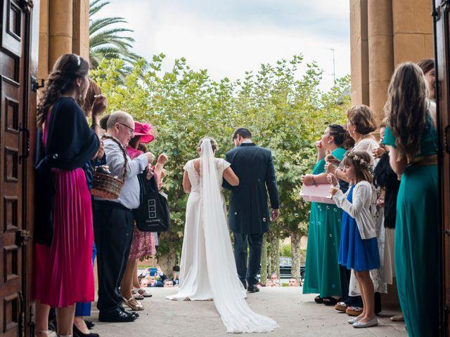 La boda de Víctor y Sandra en Getxo, Vizcaya 18