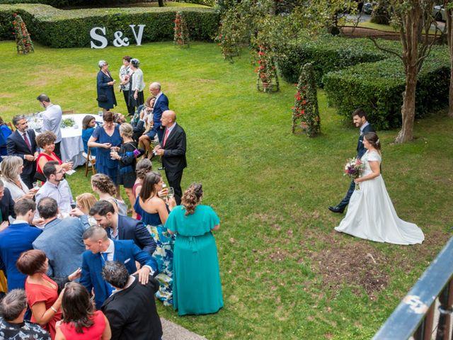 La boda de Víctor y Sandra en Getxo, Vizcaya 27