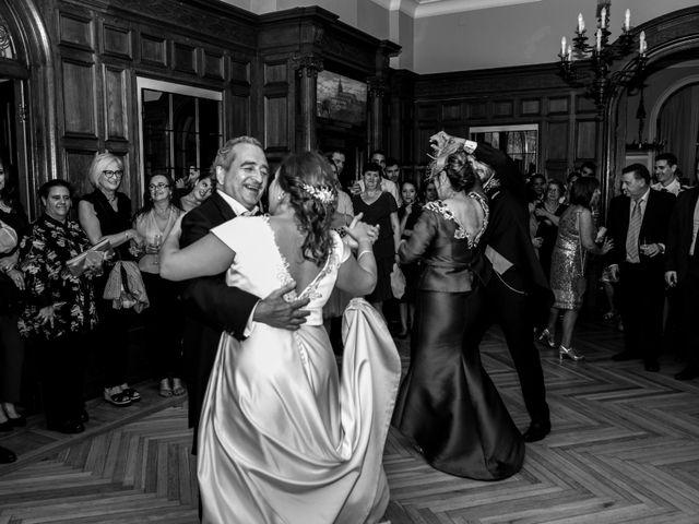 La boda de Víctor y Sandra en Getxo, Vizcaya 34