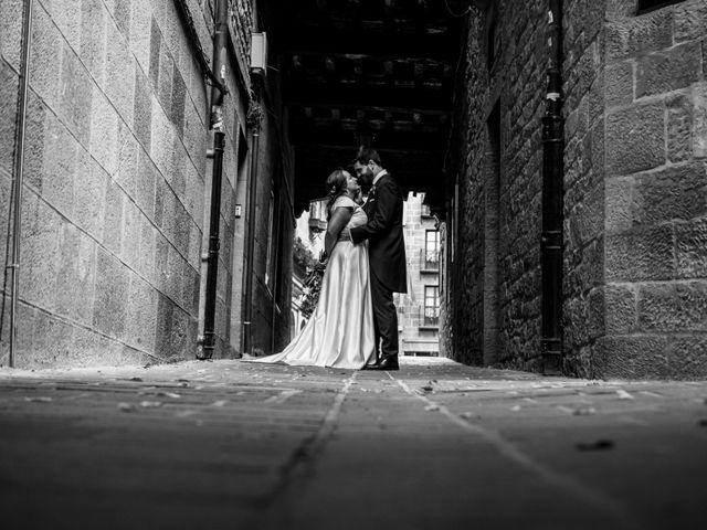 La boda de Víctor y Sandra en Getxo, Vizcaya 43