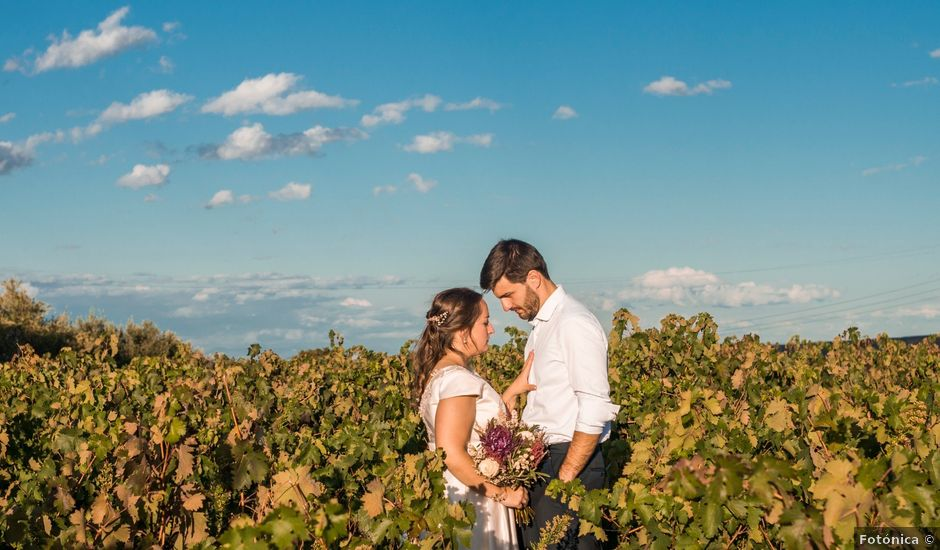 La boda de Víctor y Sandra en Getxo, Vizcaya