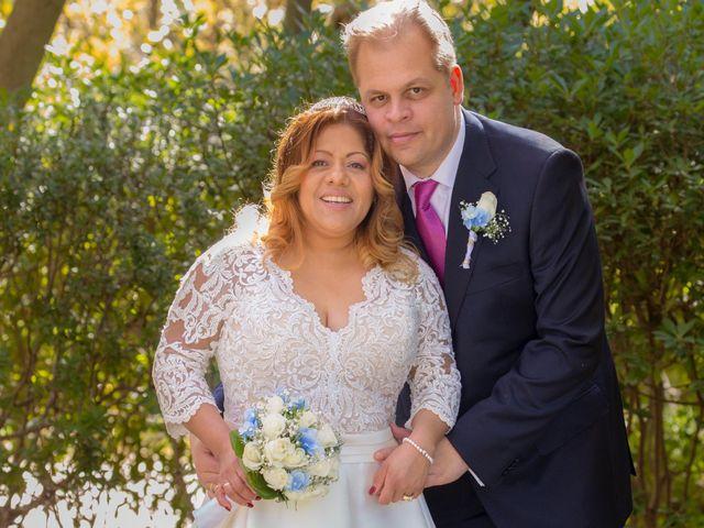 La boda de Jordi  y Adriana  en Sant Feliu De Llobregat, Barcelona 9