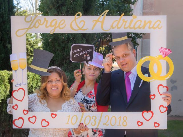 La boda de Jordi  y Adriana  en Sant Feliu De Llobregat, Barcelona 15