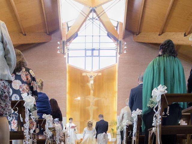 La boda de Jordi  y Adriana  en Sant Feliu De Llobregat, Barcelona 17