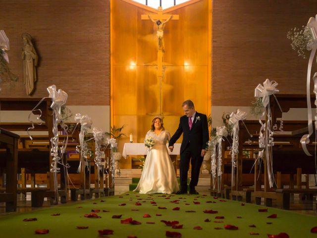 La boda de Jordi  y Adriana  en Sant Feliu De Llobregat, Barcelona 19